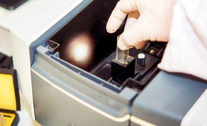 Espectrofotômetro | Saiba os Princípios do Seu Funcionamento.